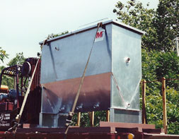 steep bottom oily water separator